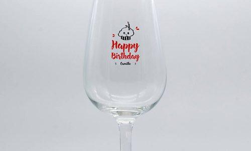 Verre à pied personnalisé pour un anniversaire